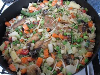 Dodajemy azjatycką mieszankę warzyw