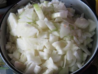 10:00 Przygotowanie cebuli - ile mięsa, tyle cebuli