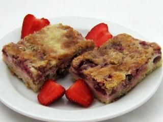 Truskawkowe sypane ciasto