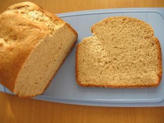 Delikatny pełnoziarnisty chleb