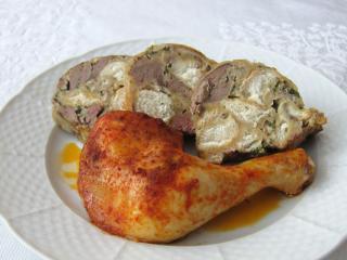 Pieczone udka z kurczaka z farszem z pieczywa