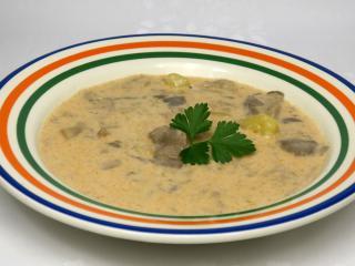 Zupa z boczniaków ze śmietaną