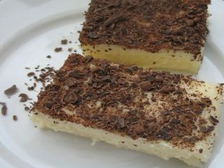 Budyniowy deser z kaszą manną