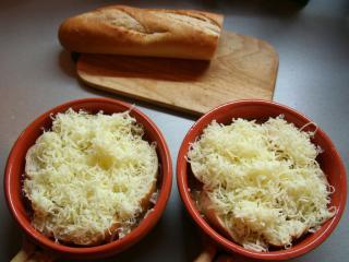 Zapiekanie z bagietką i serem