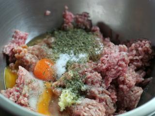 Przygotowanie mięsnej mieszanki