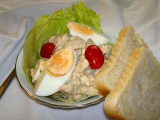 Łagodna sałatka z kurczaka