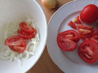 Cebula, pomidory