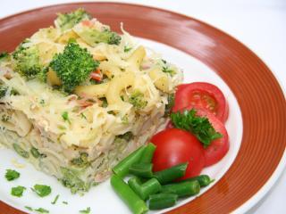 Makaron zapiekany z brokułem