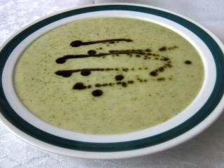 Mleczna brokułowa zupa
