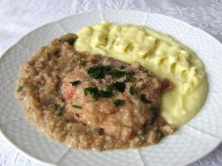 Wieprzowe kotlety z chlebowym sosie