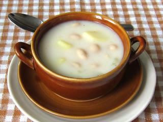 Mleczna fasolowa zupa