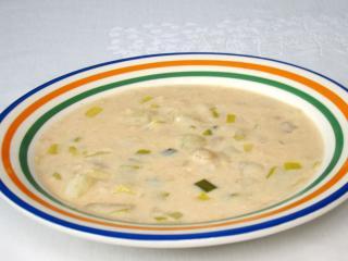 Zupa ziemniaczana z fasolą i porem