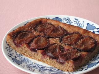 Orkiszowe ciasto ze śliwkami