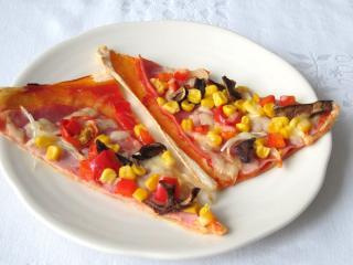 Pizza z francuskiego ciasta