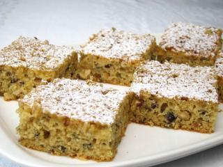 Ciasto z orzeszkami laskowymi