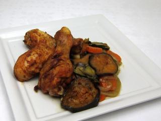Pikantne udka z kurczaka z warzywami