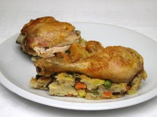 Kurczak na warzywnym farszu z ciecierzycą