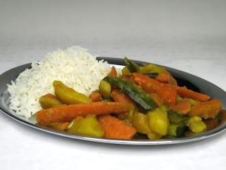 Warzywne subji z cukinią i ryżem basmati