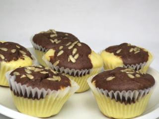 Dwukolorowe twarogowe muffiny