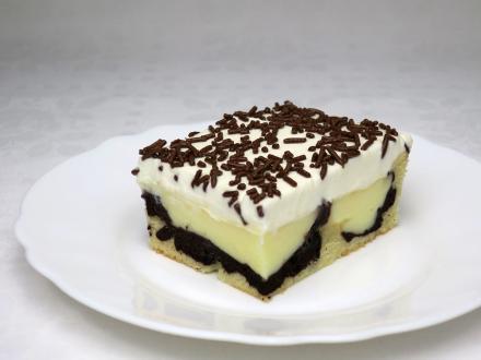 Budyniowo-śmietanowe ciasto