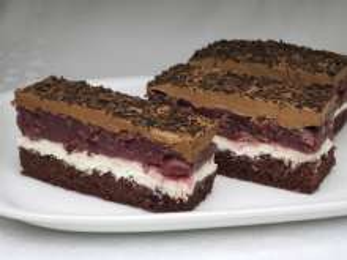 Twarogowo-wiśniowe ciasto