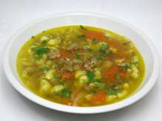 Zupa z leśnego grzyba siedzunia sosnowego