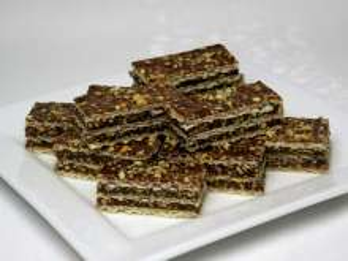 Karmelowe czekoladowe wafle z orzeszkami