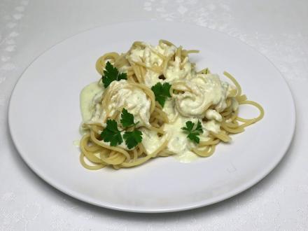 Spaghetti z sosem z sera pleśniowego
