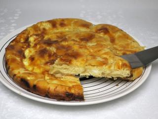 Bałkański kołacz z francuskiego ciasta