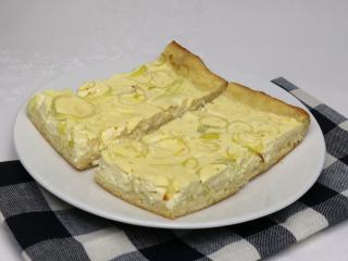 Słone serowe ciasto z porem