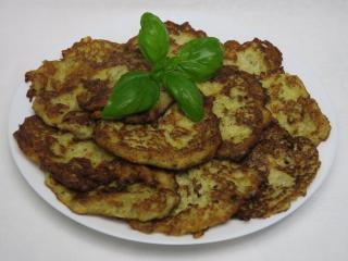 Placki ziemniaczane z kalafiorem i brokułem