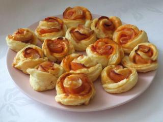 Cheddar szynkowe różyczki