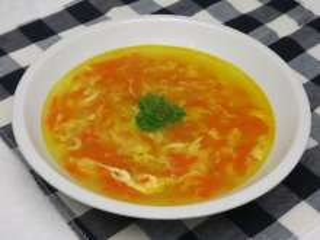 Jajeczna zupa z marchewką