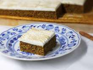 Delikatne dyniowe ciasto ze skyrem