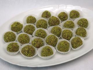 Orzechowe kuleczki w pistacjach