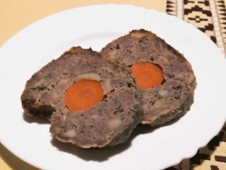 Wołowa rolada z marchewką
