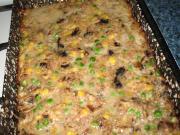 Pieczarkowo - mięsna pieczeń z groszkiem i kukurydzą