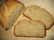Chleb z orzechowym masłem