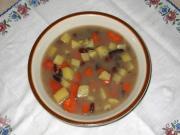 Zupa fasolowa z wędzonym mięsem