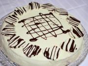 Waniliowo truskawkowy tort walentynkowy