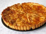 Tradycyjne francuskie ciasto z jabłkami