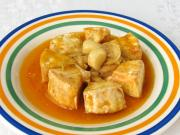 Nakładany Camembert z czosnkiem i cebulą