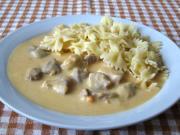 Wieprzowe kawałki w warzywno-śmietanowym sosie
