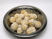 Gotowane kuleczki z ciecierzycą i kokosem