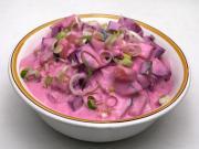 Ogórkowa sałatka z ćwikłą w jogurcie
