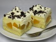 Kremowe brzoskwiniowe ciasto