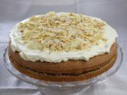 Tort jabłkowo-orzechowy