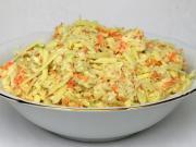 Kapuściana sałatka z serem cheddar